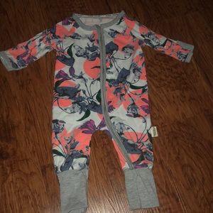 Super cute one piece full zip outfit